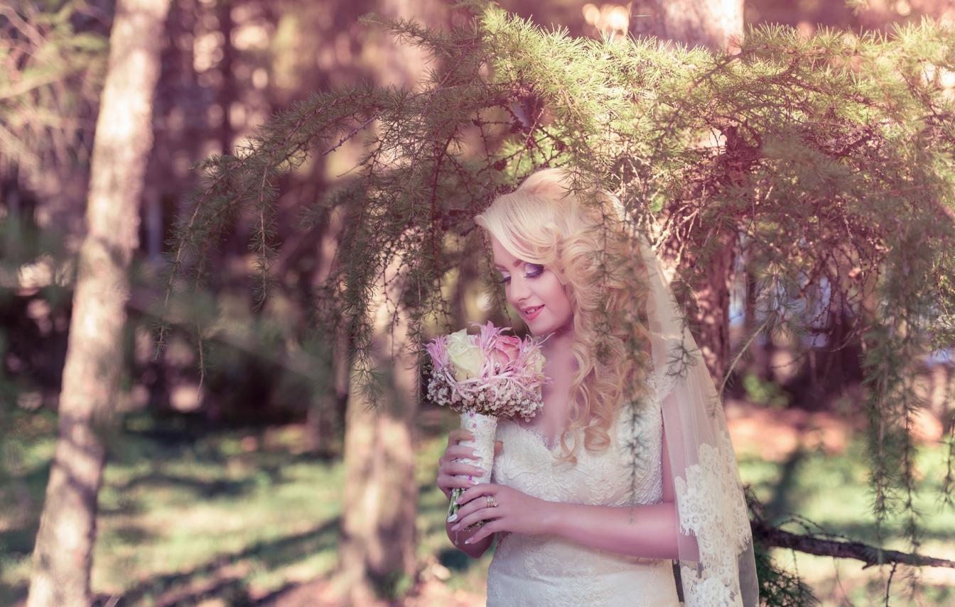 O nuntă reușită este imortalizată de un fotograf profesionist